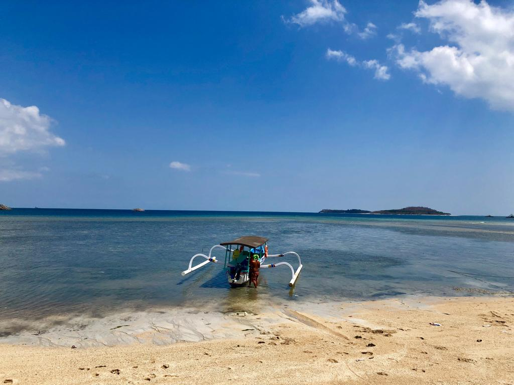 Traditionelles indonesisches Boot auf Lombok